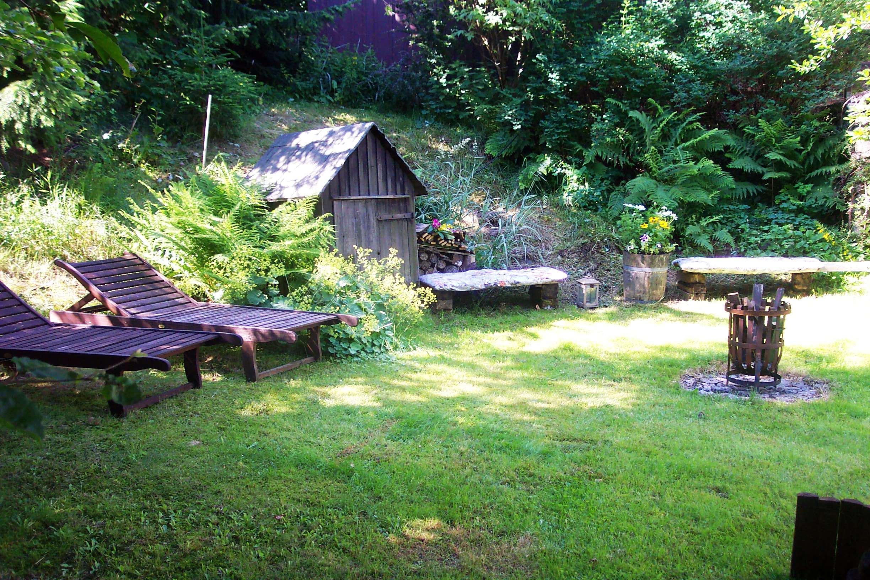 Hinter Dem Haus schattengarten hoffmanns im erzgebirge erholen erleben genießen